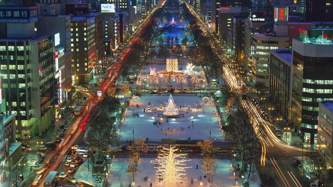 white_illuminations_odori_park_sapporo_hokkaido_japan.jpg