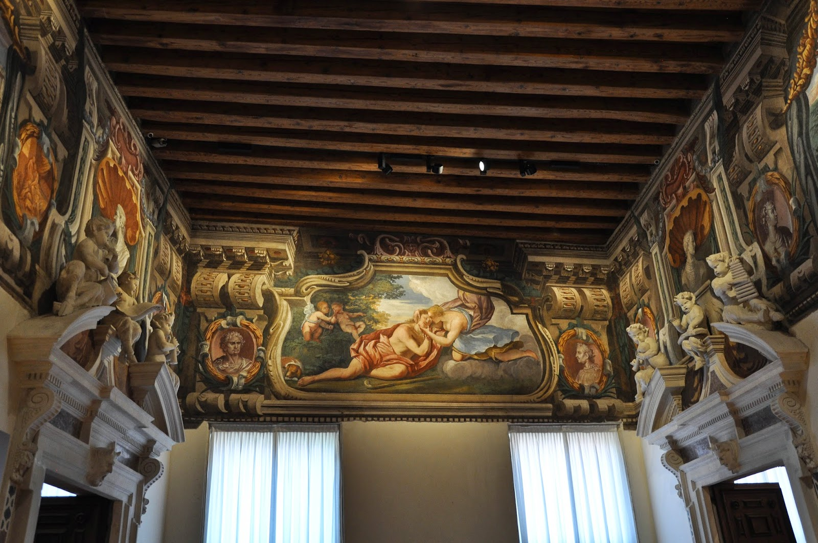 Frescoes and ornamentation, Gallerie D'Italia in Palazzo Leoni Montanari, Vicenza, Italy