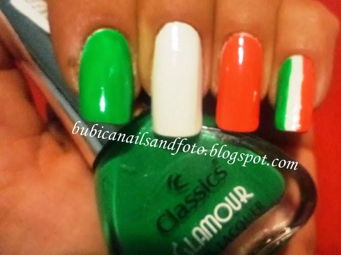 simple nails: 611 Italian flag nails , Italia nails ;Italian nail art