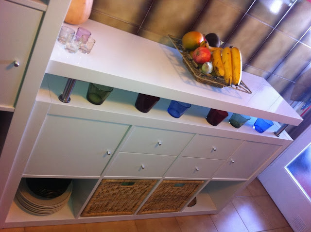 Cómo montar un frente de armarios para la cocina con EXPEDIT de Ikea. Ordena y soluciona con Piratas de Ikea.