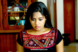Ananya At Yaar Ival Movie stills