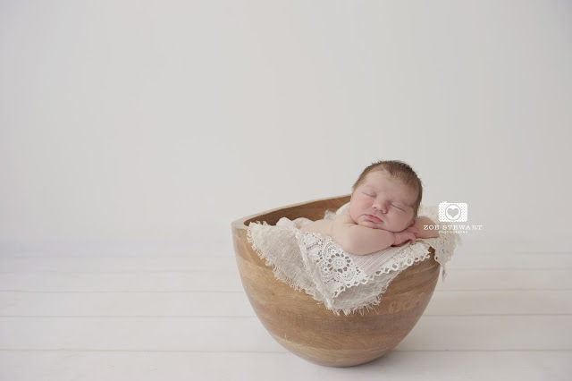 Newborn, photographer, edinburgh, musselburgh, lothians, fife, glasgow, sibling, photoshoot, studio, wooden, bowl, props