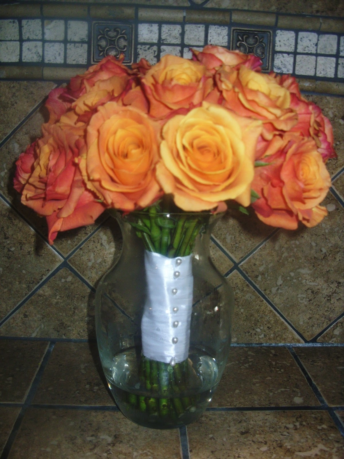 Yolas creations berenices quinceanera bouquets 2009 we used 24 roses and this was the quinceaneras bouquet izmirmasajfo