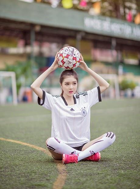 foto ngentot memek  bugil mesum Asian girl innocent cheerleader Germany in World Cup 2014
