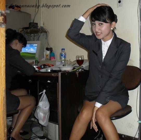 foto gadis jepang pamerin cd transparan