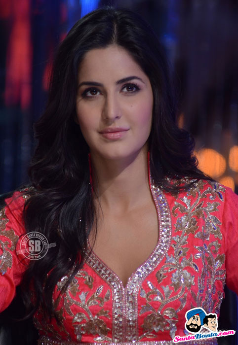 Katrina Kaif - Salman-Katrina Promote Ek Tha Tiger on Jhalak Dikhlaa Jaa