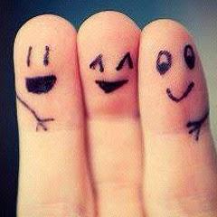 dedos amigos y abrazados