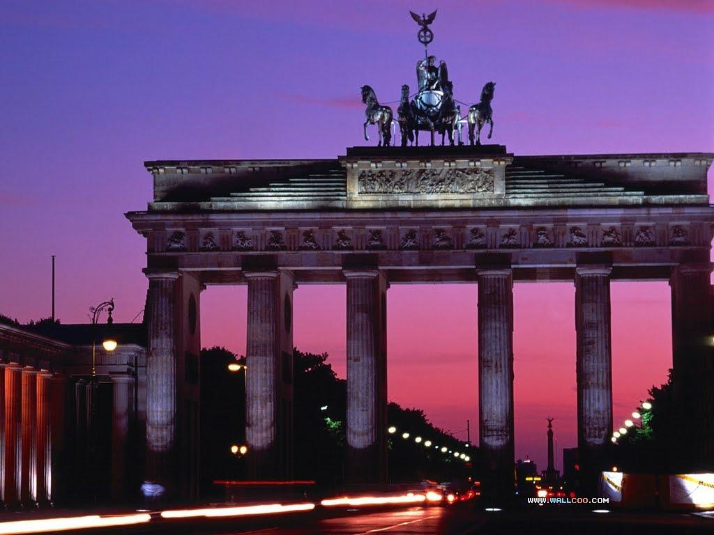 http://3.bp.blogspot.com/-TOQlNJWOU8s/TiW8P7GQubI/AAAAAAAAFNY/rSXK5WMdPnI/s1600/Brandenburg_Gate_Berlin_Germany.jpg