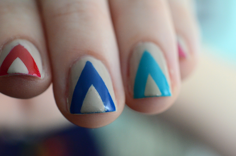Chevron Nail Art - Chevron Nails