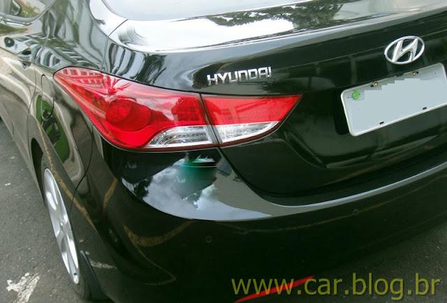 Hyundai Elantra 2012 GLS 1.8L Automático - lanterna traseira