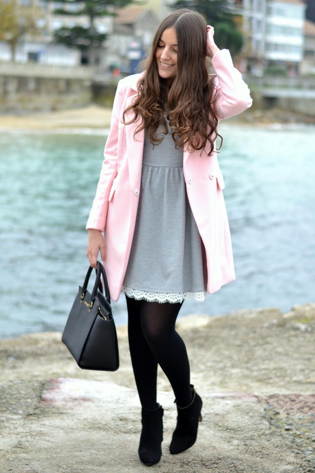 vestido gris lucloset, detalles encaje