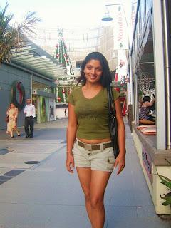 Thanuja Dilhani legs