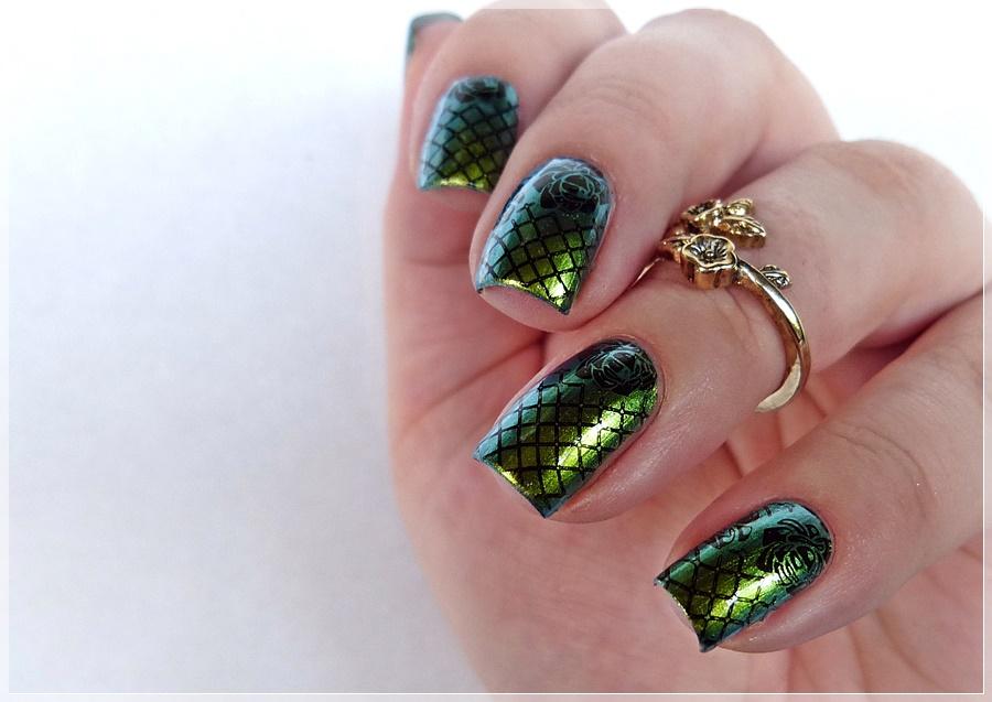 moyou gothic stamping nailart