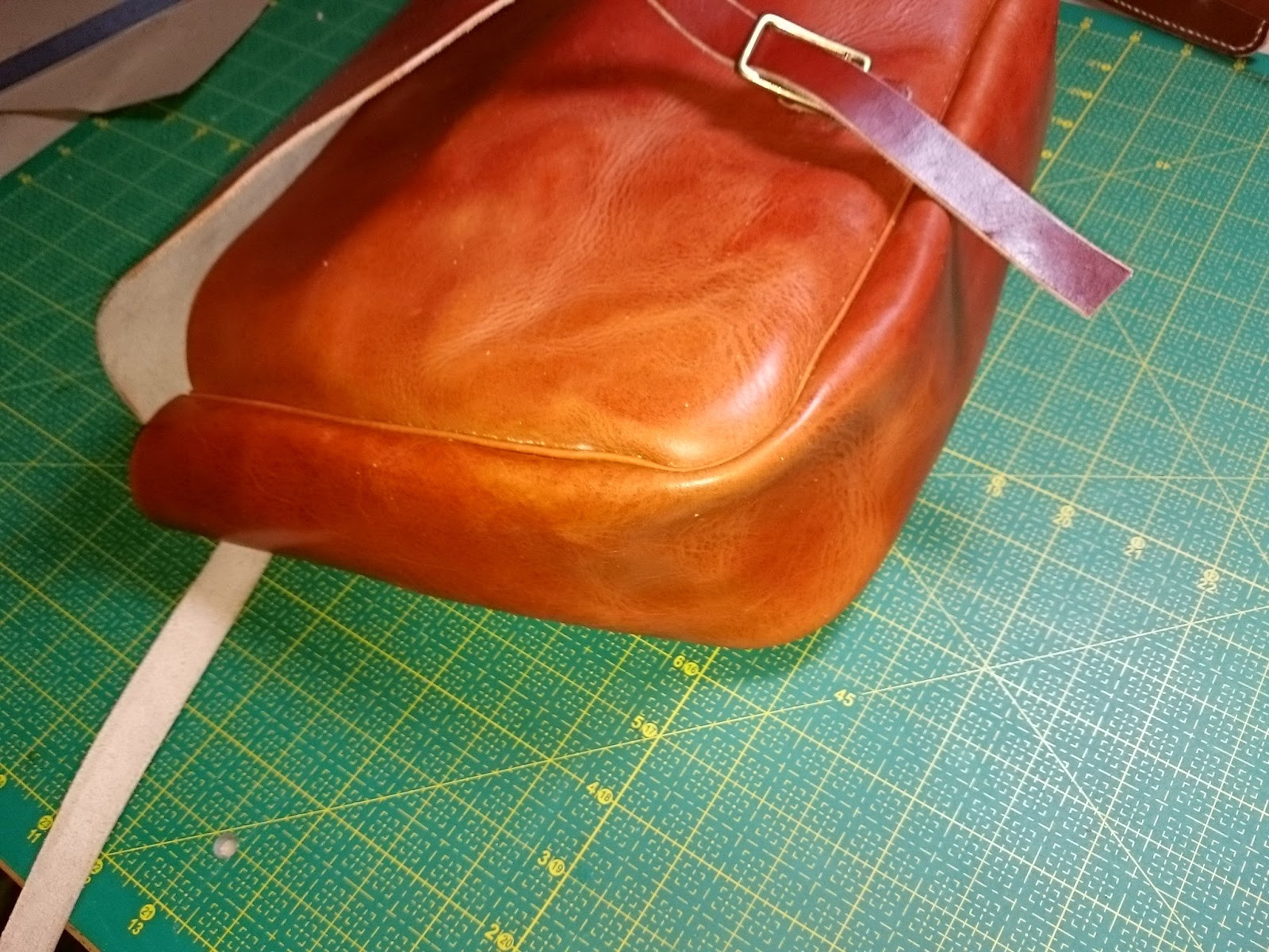 Кожаная сумка своими руками (164 фото выкройка, как сшить из кожи)