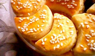Kue Kacang Wijen