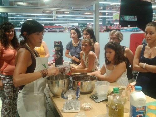 Imagen de asistentes al Taller de Cupcakes de Iratxe Ayala