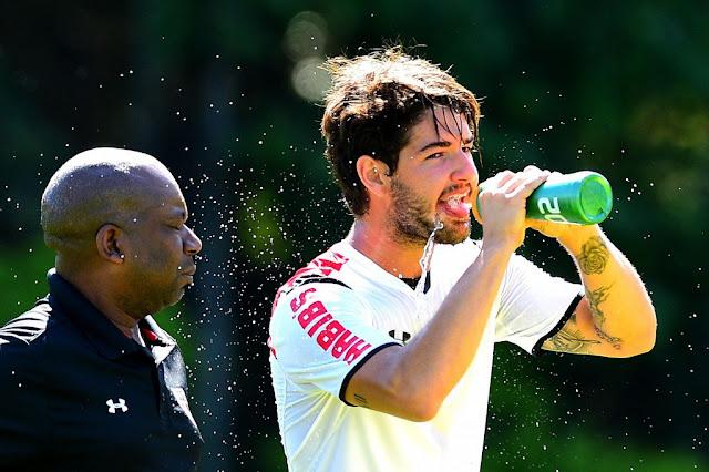 Pato, emprestado ao São Paulo, interessa ao Galatasaray (foto: Sergio Barzaghi/Gazeta Press)