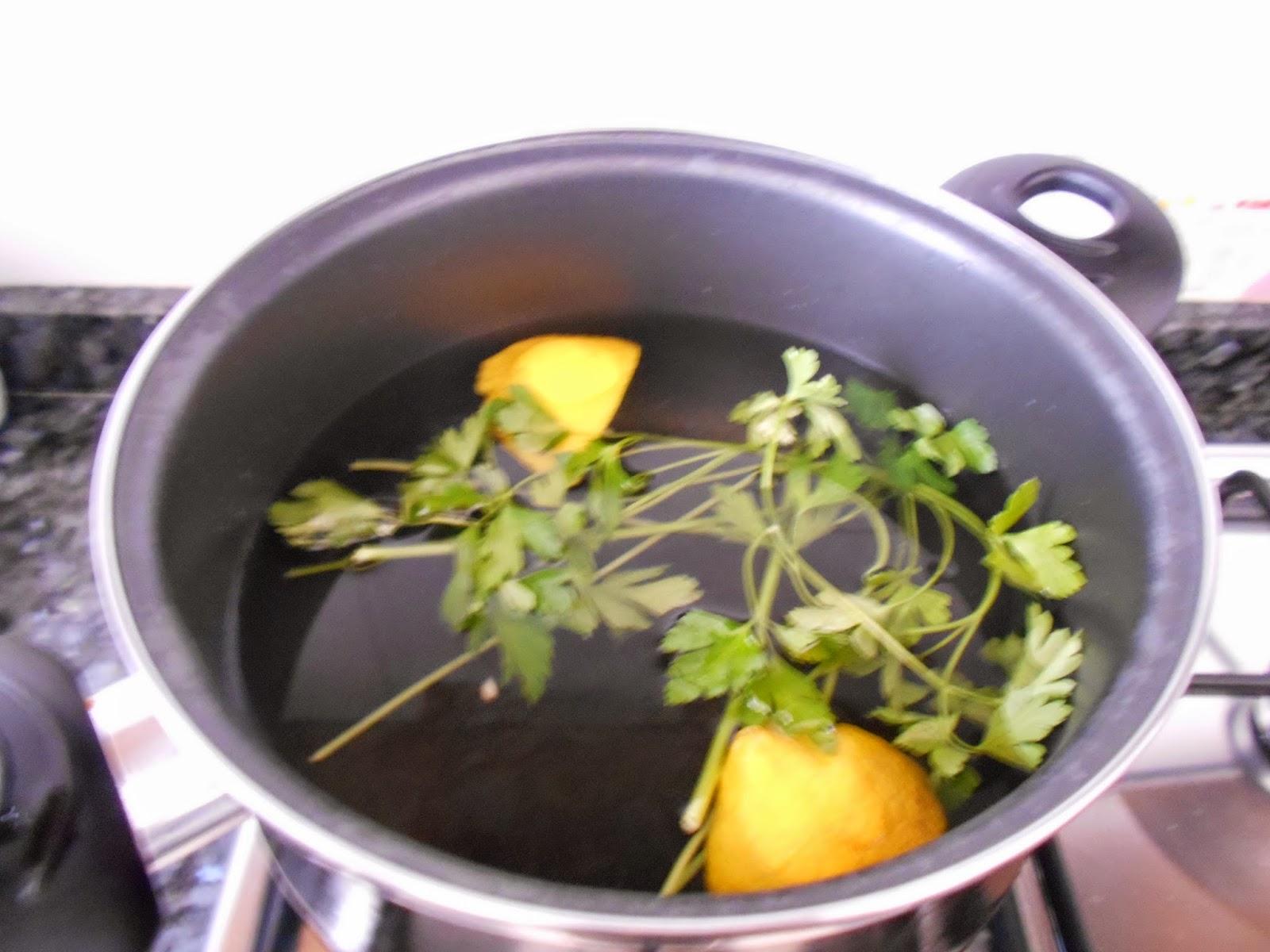 Como cocer alcachofas y truco para que queden blancas como for Cocinar judias blancas de bote