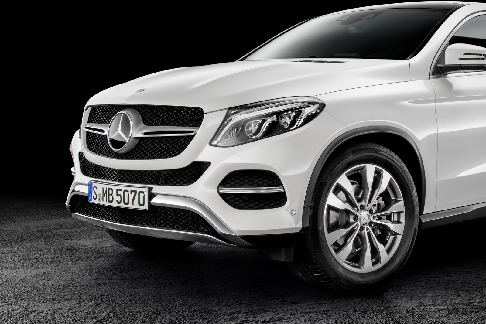 Re 2016 mercedes benz gle coupe fully uncovered in leaked photos