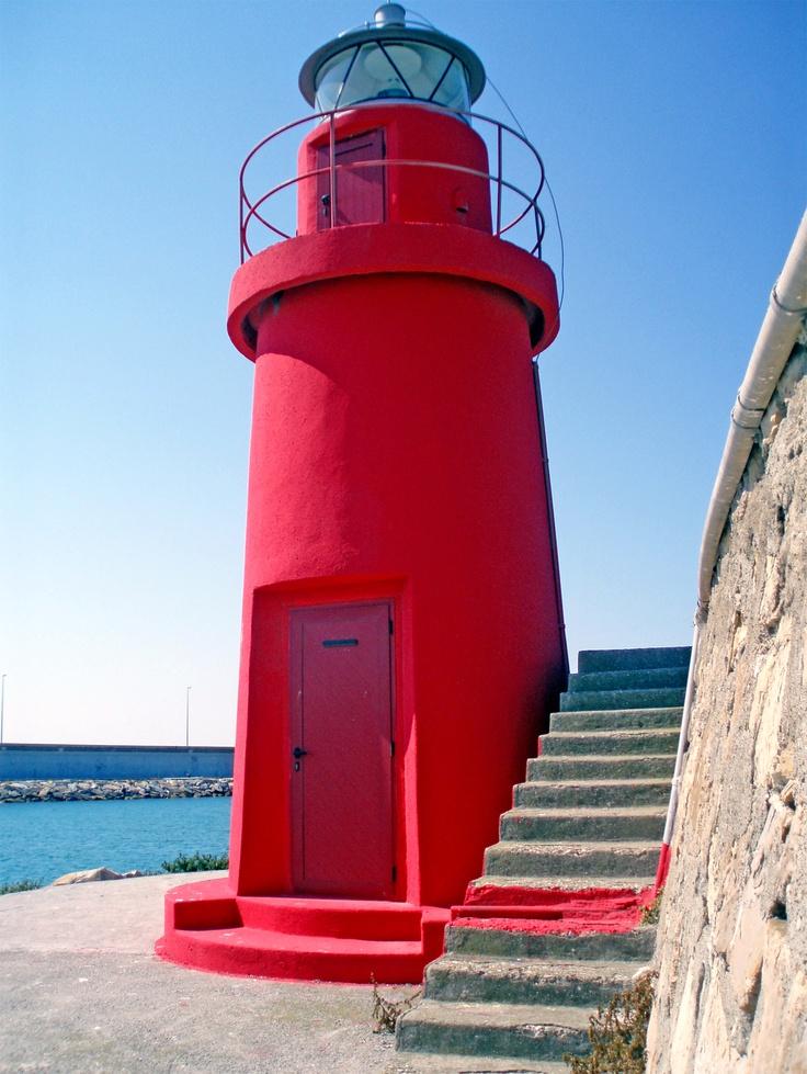 E il rosso colore di tanti arredi outdoor ed in stile navy - Colori per la casa ...