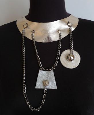 collar de cadenas plateado ojuila