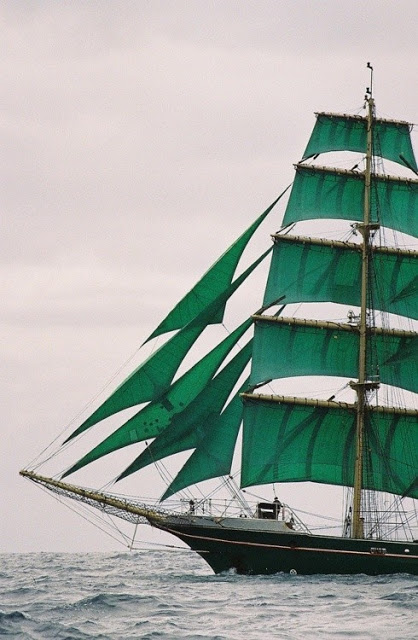 emerald green ship sails pantone