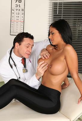 Порно онлайн доктора