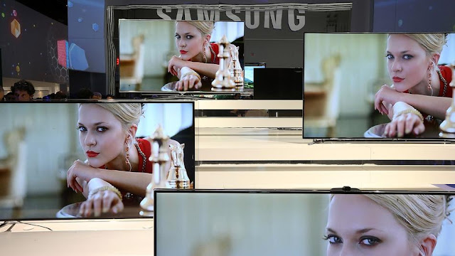 Samsung TV May Bend and Twist in Future