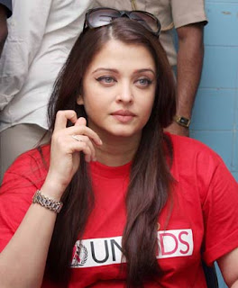 Aishwarya Rai Bachchan in red t shirt 2013 pics