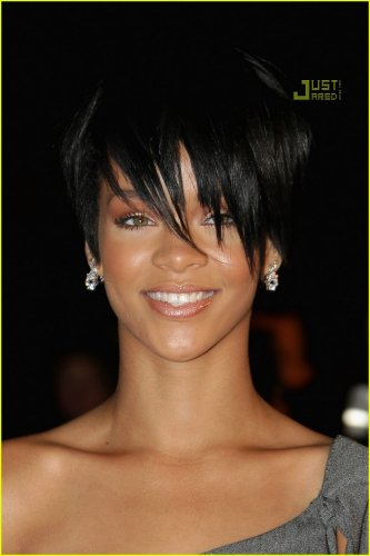 rihanna short hair styles 2010. cute short haircuts for lack