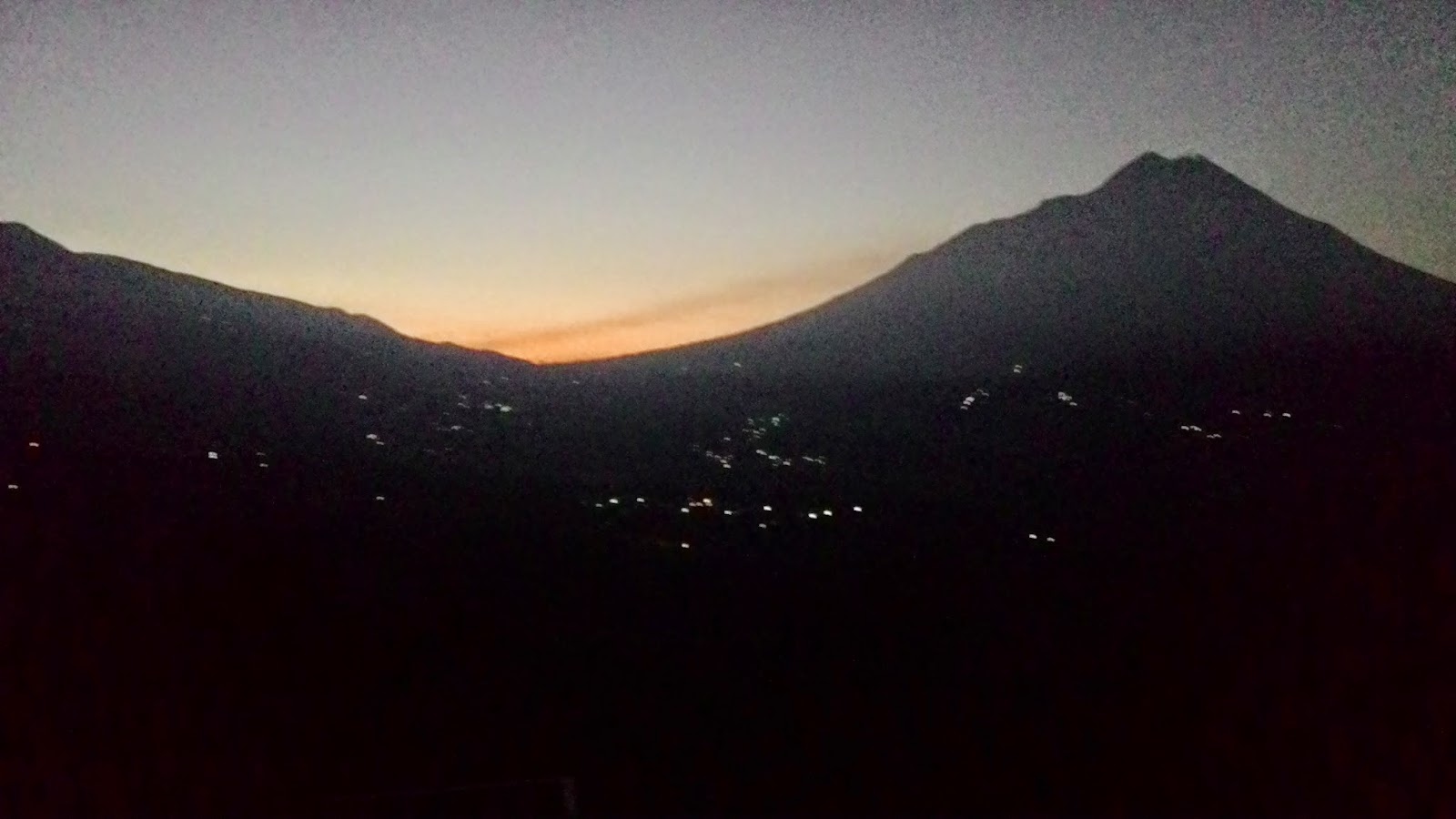 Ketep Pass Magelang sunrise indah dan cantik