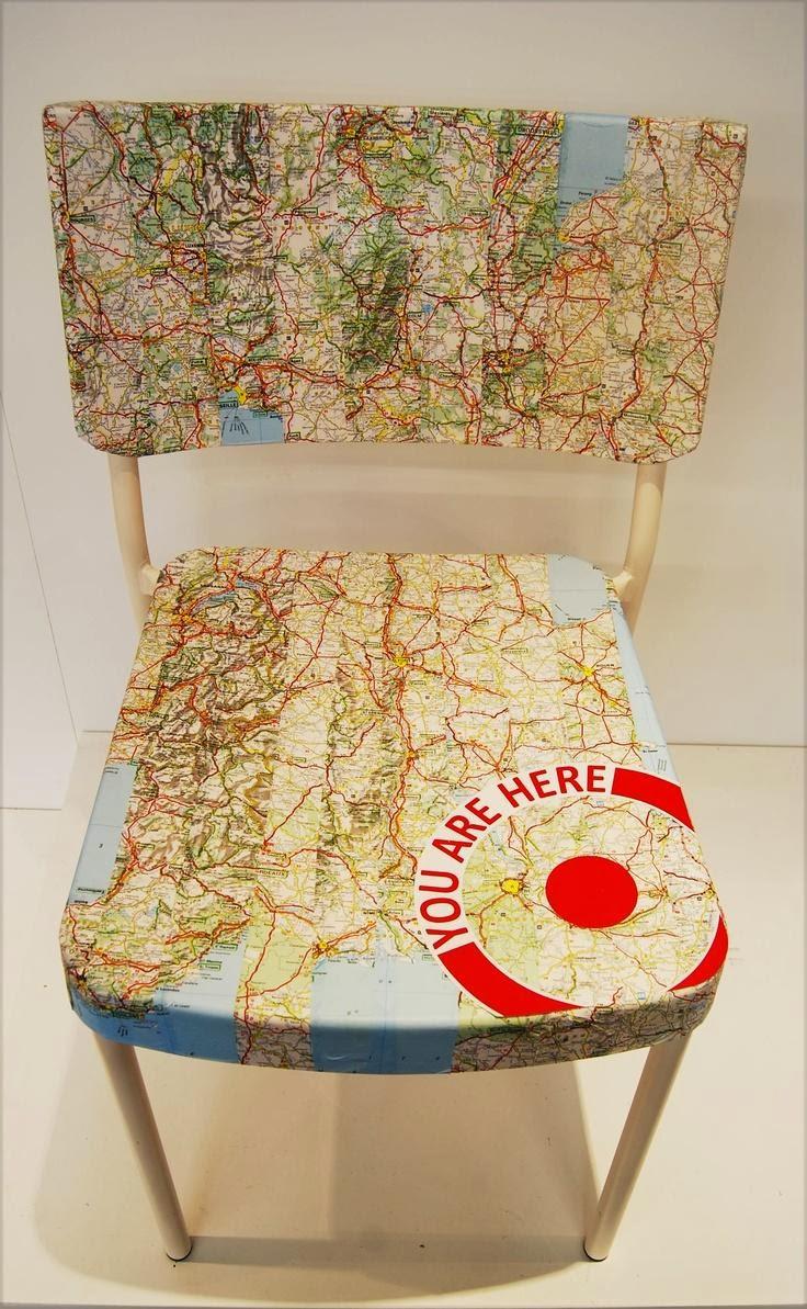 customiser+une+chaise+avec+des+une+carte