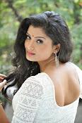 Ishitha Vyas sizzling pics-thumbnail-12