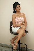 naveena latest glam pics-thumbnail-11