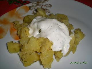 cubetti di patate con salsa bianca alle erbe di montagna...e anticipo di golositalia 2014