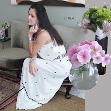 Para conhecer a casa e o estilo de Jú Brasil, clique na imagem