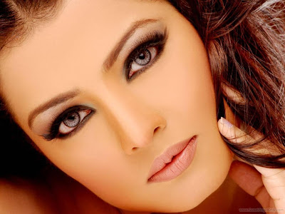 Celina Jaitley Latest Wallpapers