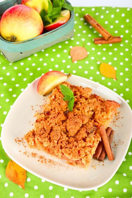 Streusel-Kuchen mit Äpfeln. Edyta Guhl.