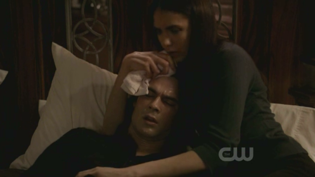 The angst report the vampire diaries flashback damon for Damon y elena
