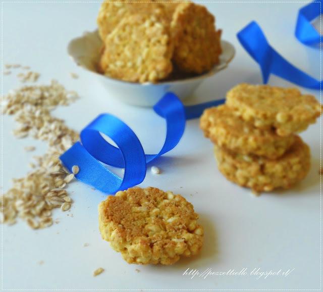 Biscotti con riso soffiato e fiocchi d'avena