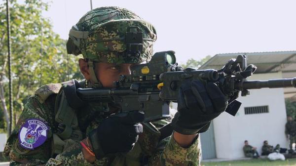 Hombres y helicópteros de las Fuerzas Militares y de Policía de Colombia operaron conjuntamente en CACOM 1 en el marco de los Ejercicios Alas Púrpura 2015.