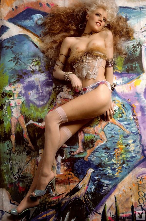 Phoebe Legere Naked