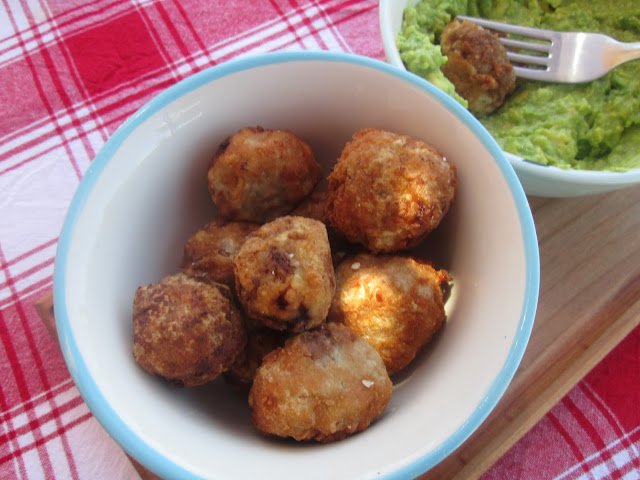 Canela kitchen: Ricotta and sage meatballs