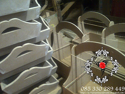 Souvenir Pernikahan Siap Finishing Tatakan Gelas Aqua