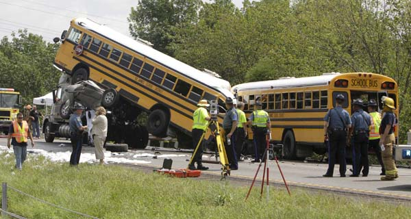 bus accident The bus that crashed monday, leaving six children dead, was removed from the crash site in chattanooga, tenn, on tuesday credit kevin d liles for the.