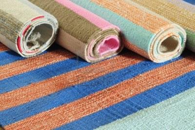 Alfombras modernas para decorar el hogar decoguia tu - Telas para alfombras ...