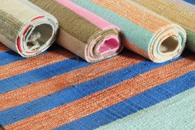Alfombras modernas para decorar el hogar decoguia tu for Tipos de alfombras