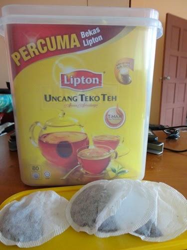 Beli Teh Lipton Dapat PERCUMA Bekas Lipton, Uncang teko teh Lipton Harga: RM8.90 Jumlah teh uncang: 80 uncang teko Percuma bekas Lipton, Lipton adunan teh berkualiti! Hanya pucuk-pucuk daun teh yang berkualiti tinggi dipilih untuk adunan teh antarabangsa dalam uncang teko teh Lipton. Setiap teko the menawarkan hirupan yang segar, keenakan rasa serta aroma istimewa yang menawan selera. Dengan teknologi penapis T-MAX, hasil rendaman teh Lipton lebih sempurna dengan kepekatan yang hebat, warna perang keemasan, lain daripada teh biasa.