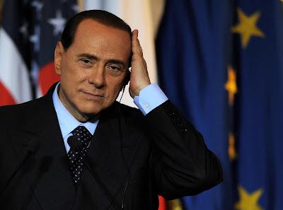 Berlusconi, miembro de la logia masónica P2 (Propaganda Due) Sb_1b
