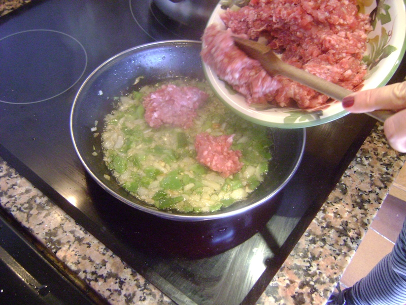 El sexagenario pimientos rellenos con carne picada - Pimientos rellenos de carne picada y bechamel ...